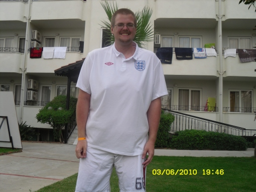 Amazing Shrinking 39 Stone Cyclist Gaz Wears England Shirt Umbro
