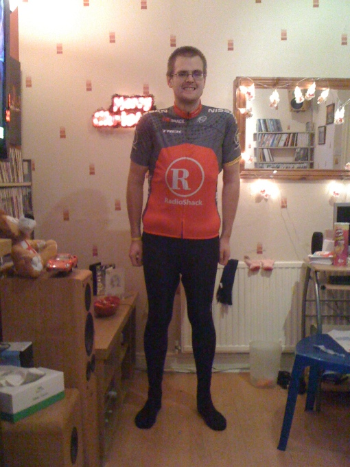 39 stone cyclist, the amazing shrinking gaz, wears Radioshack